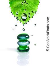equilibratura, terme, baluginante, pietre, con, foglia, e, gocce acqua, isolato, bianco