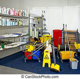 equipamento limpando