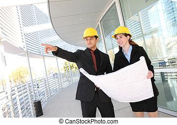equipe affaires, à, bureau, site construction