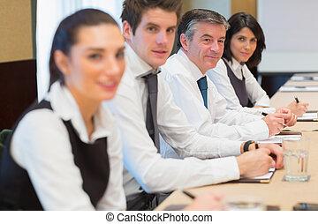 equipe affaires, heureux