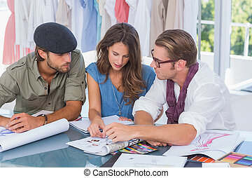 equipe, desenhistas, moda, trabalhe