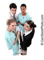 equipe funcionários hospital, huddling