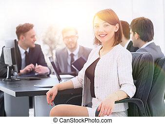 equipe negócio, com, um, mulher, líder, ligado, primeiro plano