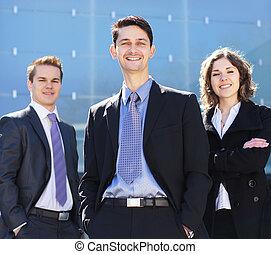 equipe negócio, em, roupas formais