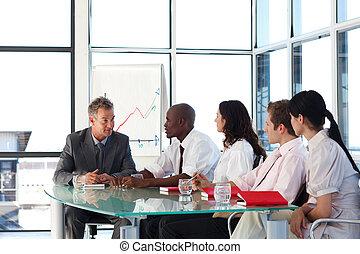 equipe negócio, interação, em, um, reunião