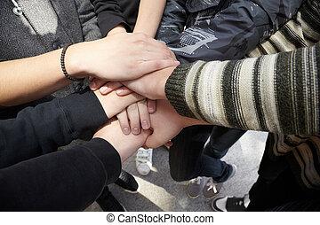 equipe negócio, junto., mãos, adolescentes, espírito