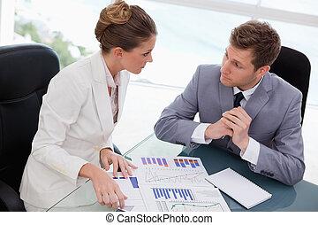 equipe, negócio, pesquisa, delibere, mercado