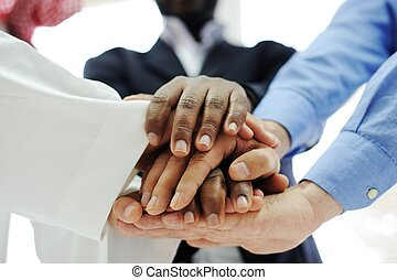 equipe, negócio, sobrepondo, mãos