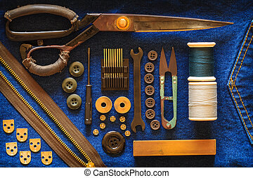 Equipment seamstress. - The kit of seamstresses ancient