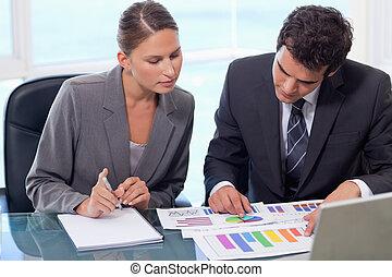 equipo negocio, estudiar, estadística