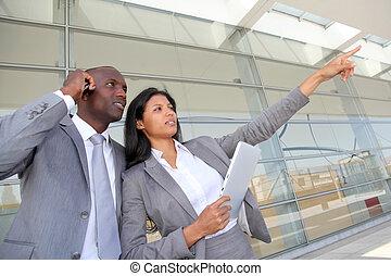 equipo negocio, posición, exterior, congreso, centro
