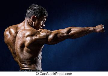 erős, atlétikai, ember, állóképesség, formál, látszik, a, megrúg