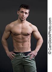 erős, fiatalember, shirtless, alatt, fesztelen, póz