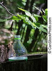 erdő, palack, műanyag