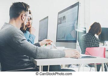 erdő, process., ügy, dolgozó, számítógépek, effect., fénykép, modern, startup, fiatal, új, desktop, terv, coworking, háttér, hivatal., legénység, horizontális, életlen, asztal., film