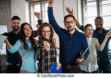 erfolgreich, firma, personal, buero, glücklich