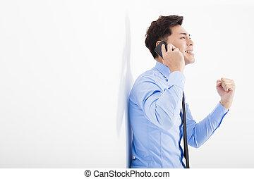 erfolgreich, geschäftsmann, reden telefon, in, buero