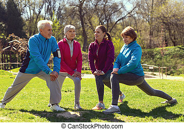 erfreut, leute, trainieren, park