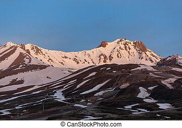 erjiyes, pico montanha, coberto, por, neve