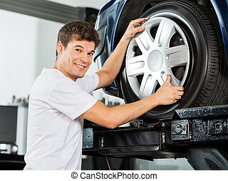 ermüden, reparieren, mechaniker, auto, radkappe, glücklich