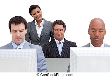 ernst, computer, arbeitende , geschäftsmenschen