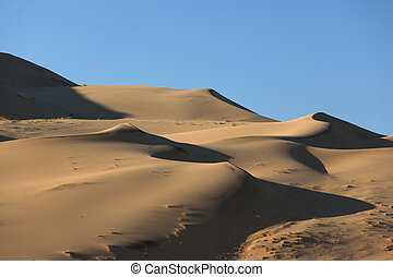 "Erotic reminiscences in the sand ""waves"" Eureka Dunes"