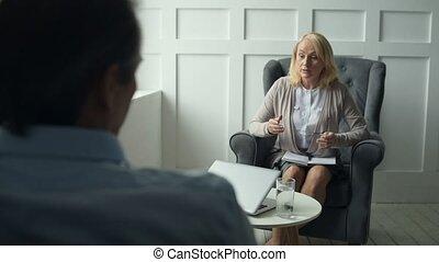 ervaren, psychiater, raadgevend, haar, klant