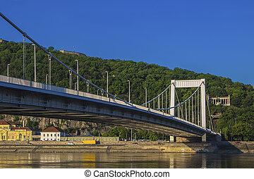Erzhebet Bridge - hanging road bridge over the Danube in Budapest