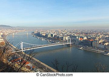 Erzsebet Gate, Budapest