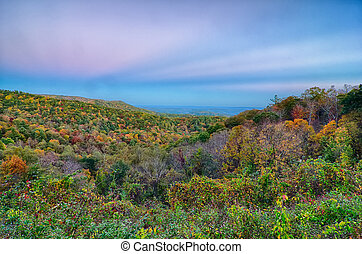 escénico, carretera ajardinada de cumbre azul, appalachians, montañas ahumadas, paisaje de otoño