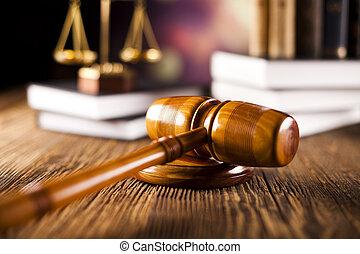 escalas de la justicia, martillo, y, libros