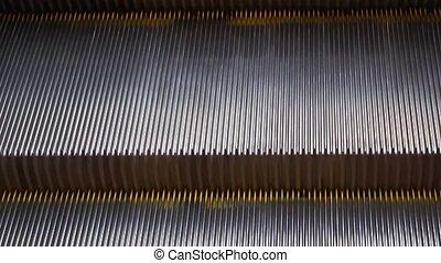 escalator, étapes