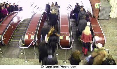 escalator., bovenleer, lapse., menigte, tijd, overzicht.
