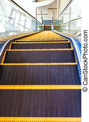 escalator, dans, architecture moderne