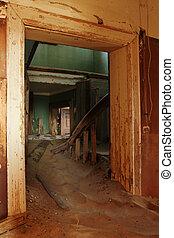 escalera, en, un, abandonado, casa, en, el, pueblo fantasma,...