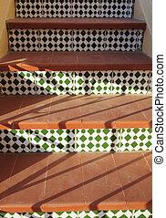 escalier, modèle, terre cuite, étapes, espagnol, vert, mosaïque
