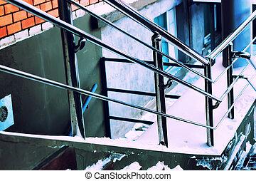 escaliers métal, argent, balustrade