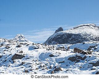 escandinavia, jotunheimen, nieve azul, park., supra-sumo, vista montaña, cubierto, cielo, nacional, día, noruega, soleado, picos, plano de fondo