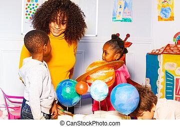 escola brinca, grupo, jogo, planeta, berçário, aprender
