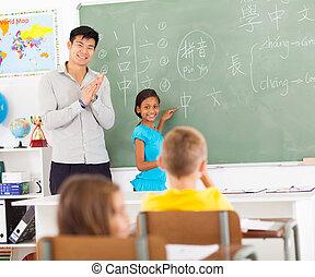 escola elementar, aplaudindo, professor