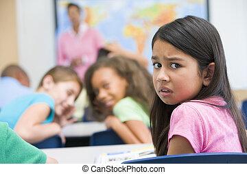 escola elementar, pupila, sendo, intimidou