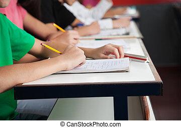 escola, estudantes, escrita, alto, papel, escrivaninha