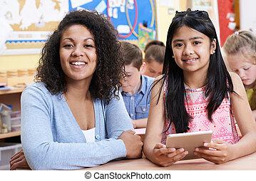 escola, grupo, crianças, ajudando, professor, computador, elementar, classe