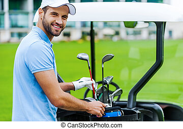 escolher, a, adequado, driver., bonito, jovem, golfer...