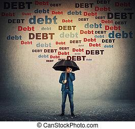 escondendo, conceito, apertando, queda, negócio, him., dívida, guarda-chuva, montante, enfrentando, escudo, proteja, enorme, desesperado, financeiro, atrás de, problems., homem negócios, chuva