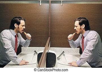 escovar, banheiro, escritório, negócio, após, partir, almoço, dentes, homem