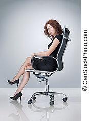 escritório, bonito, retrato, cadeira, mulher, jovem