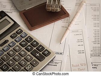 escritório, documento, com, selo borracha, caneta, calculadora
