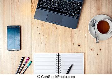 escritório, tabela, com, xícara café, computador, e, flower., veja, com, espaço cópia
