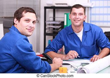 escritório, verificar, trabalhador manual, dois, níveis, estoque